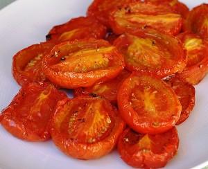 Печеные помидоры в духовке целиком
