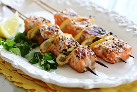 Шашлык из рыбы на шпажках в духовке рецепт
