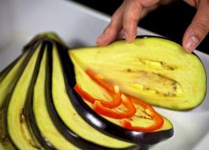 Как приготовить запеченный баклажан