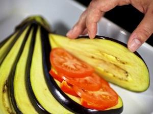 Как приготовить баклажаны веером
