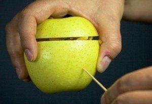Запекаем яблоки в духовке