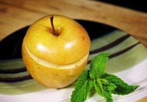 Подавайте яблоки на стол