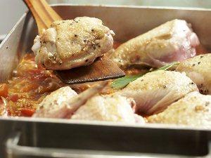 Запекаем рис с курицей в духовке