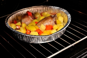 Запекаем утиные ножки в духовке с картошкой и морковью