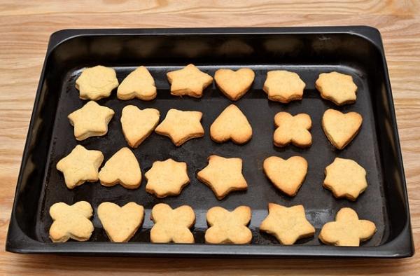 Даем печенью остыть полчаса