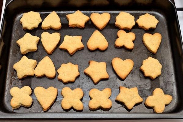 Выпекаем печенье в духовке 15 минут