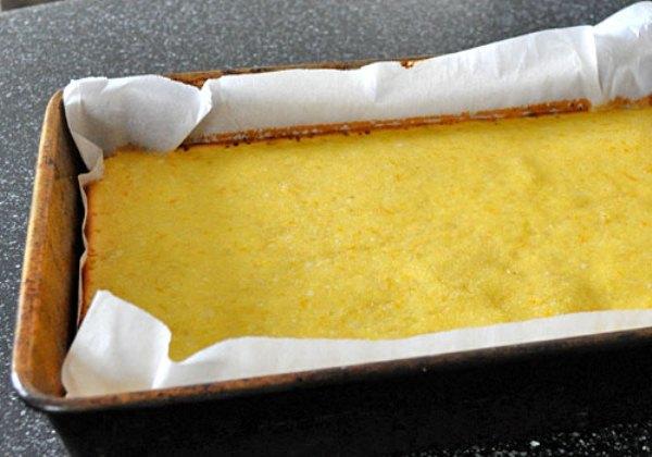 Даем остыть лимонному пирогу