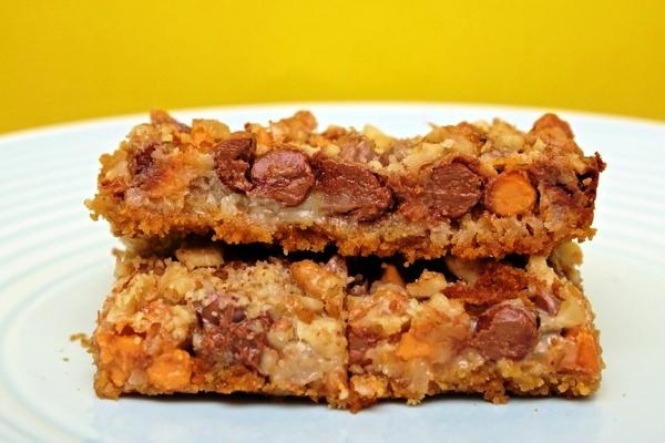 Наслаждайтесь шоколадно-кокосовым пирогом брауни!