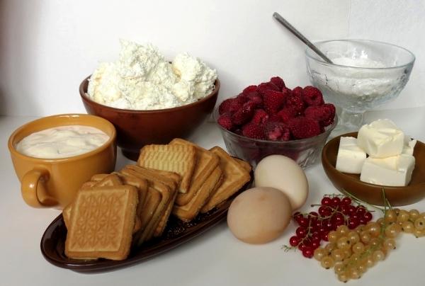 Продукты для малинового чизкейка купите на рынке