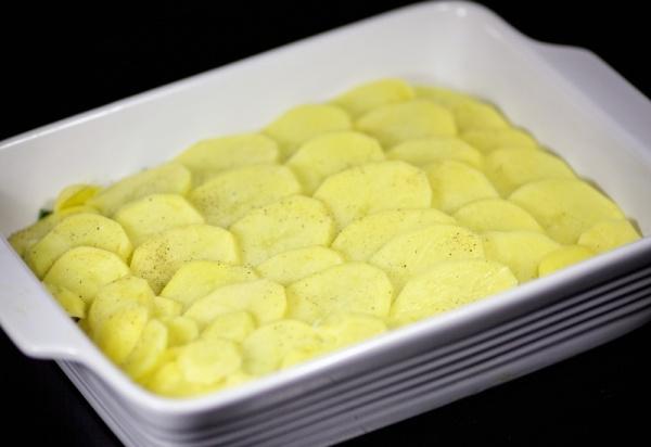 Солим и перчим картошку