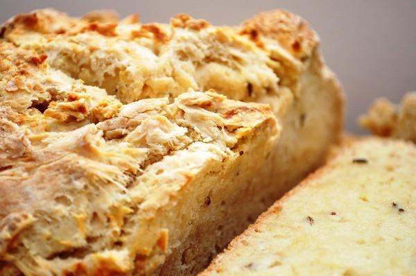 Оставляем хлеб остывать