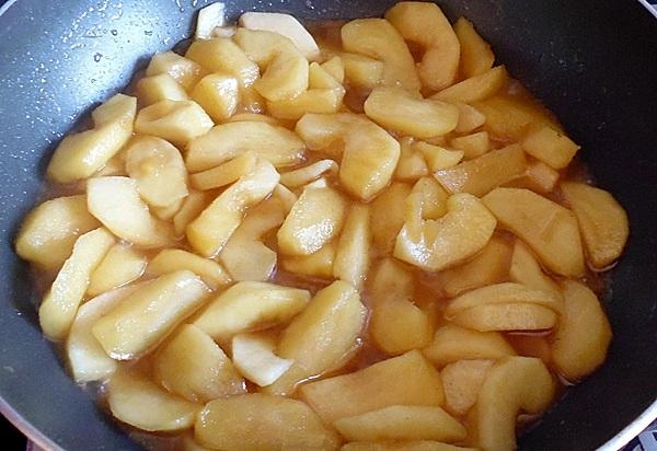 Готовьте яблоки 5 минут