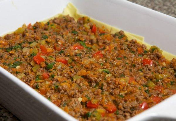 Добавляем в форму соус из мяса