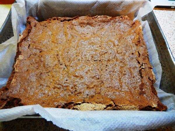 Бисквит выпекаем 40 мин. в духовке