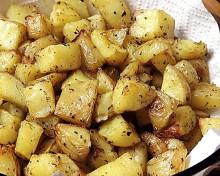 Простое сельское лакомство из молодого картофеля