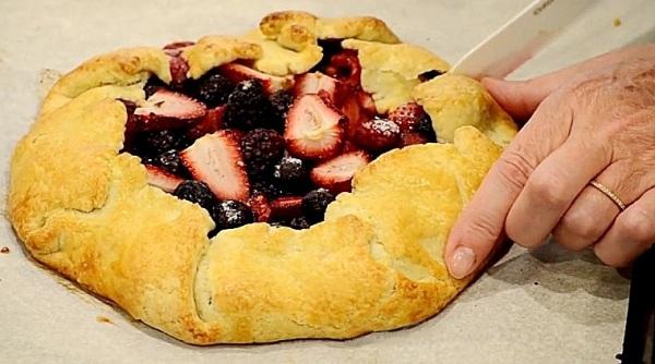 Рецепт пирога с клубникой в духовке