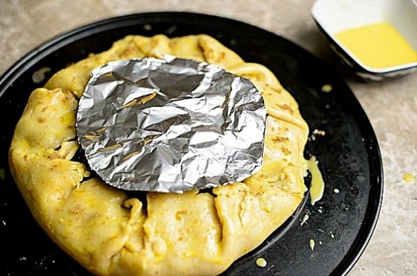 Рецепт песочного пирога с вишней в духовке