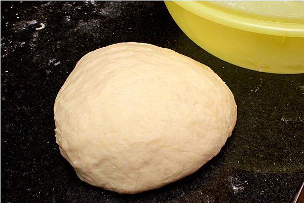 Рецепт дрожжевых пирожков с творогом