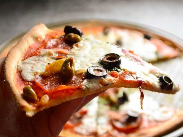 Хрустящая пицца на тонком тесте рецепт