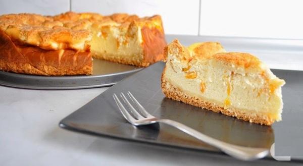 Творожный пирог с яблоками в духовке