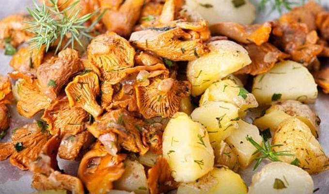 Лисички жареные с картошкой рецепт приготовления