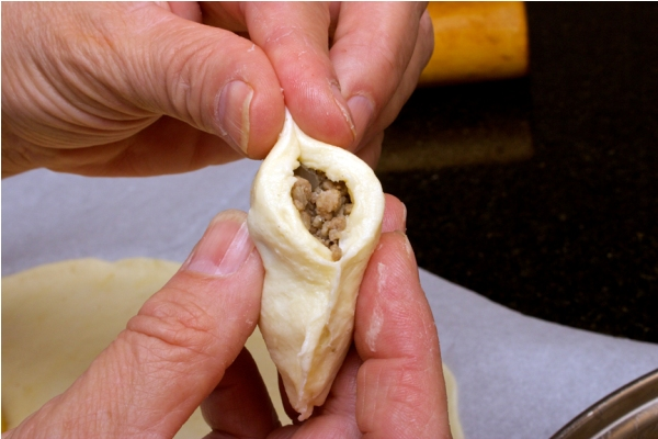 Как приготовить пирожки с мясом в духовке