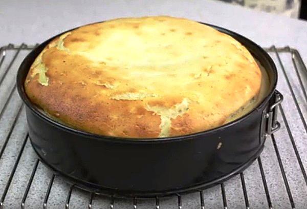 Простой и вкусный рецепт творожного пирога