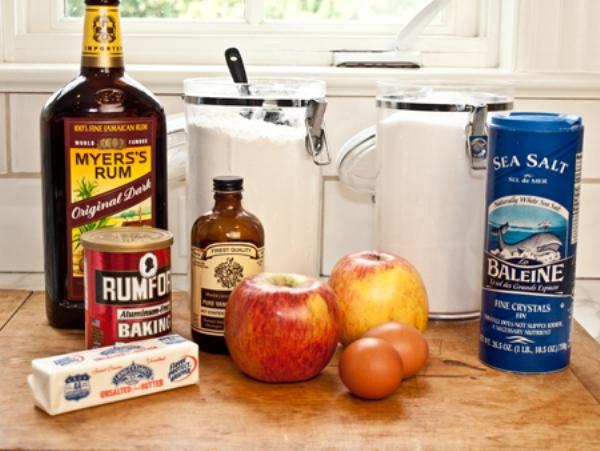 Шарлотка пышная с яблоками в духовке