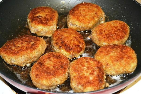 Рецепт картофельных котлет из пюре в духовке