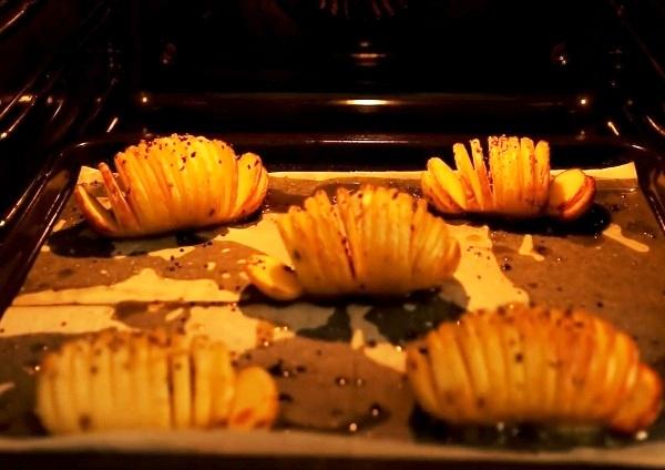 Запекаем картофельные клубни