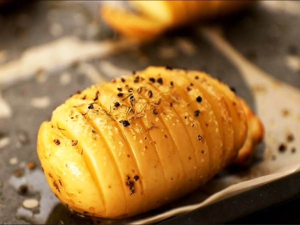 Запеченная картошка гармошка в духовке