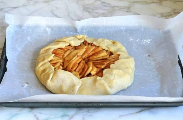 Как приготовить яблочный пирог в духовке рецепт