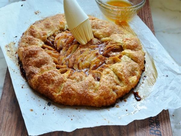 Яблочный пирог в духовке простой рецепт пошагово