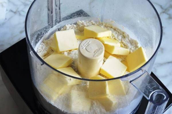 Пирог яблочный на кефире в духовке