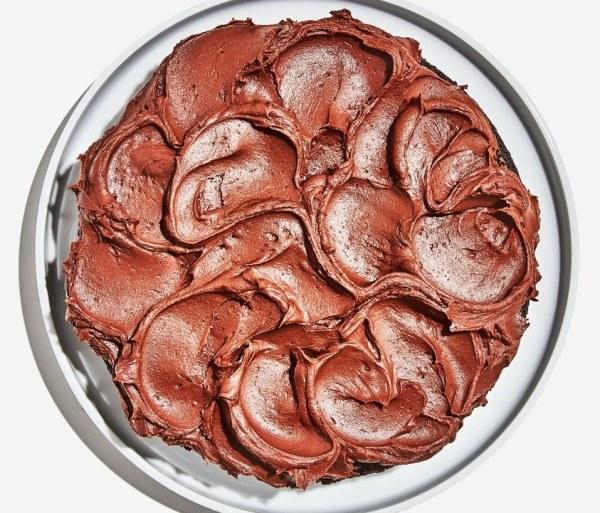 Как украсить торт легко и просто