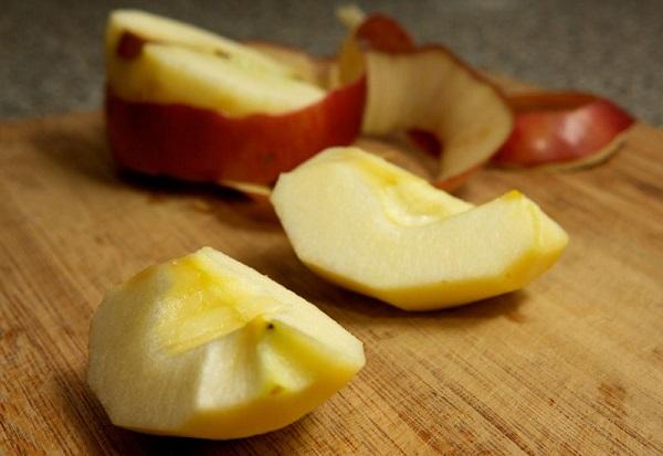 Яблоки берем мягкие, кисло-сладкие