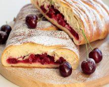 Рецепт вишневого пирога в духовке простой