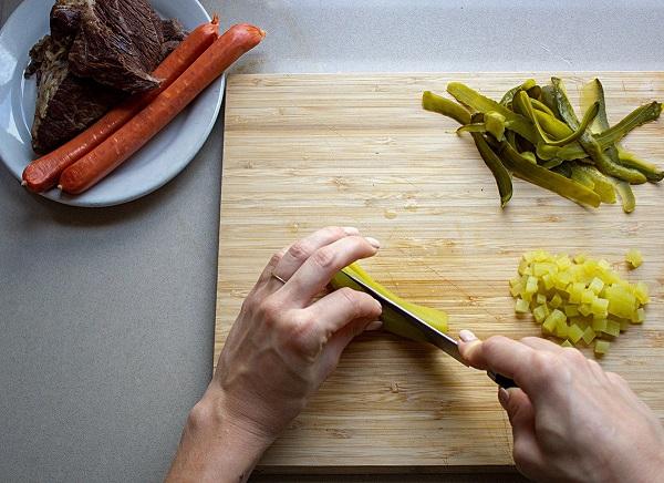 Солянка мясная сборная рецепт классический