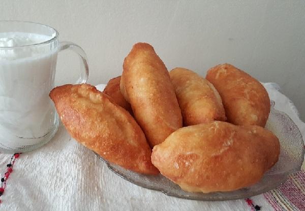 Рецепт жареных пирожков с капустой на сковороде