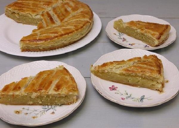 Пирог из слоеного теста сладкая начинка