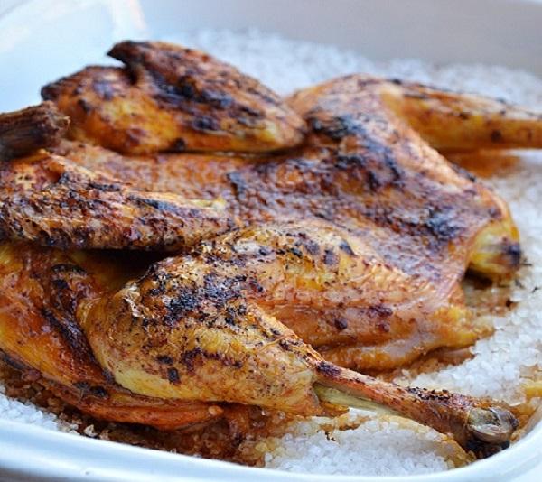 Рецепт курицы на соли в духовке целиком