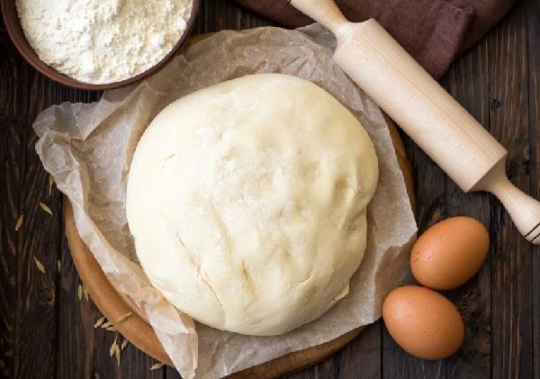 Почему не поднимается тесто на сухих дрожжах