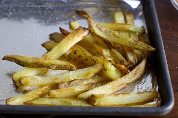 Как приготовить картошку фри дома в духовке