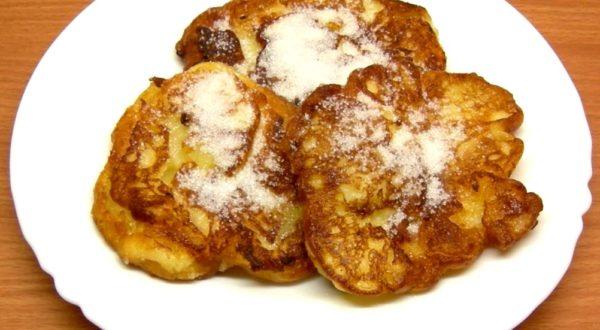 Рецепт яблочных оладий на кефире пышные