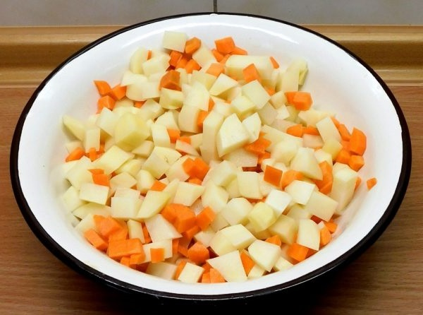 Гороховый суп с копченостями пошаговый