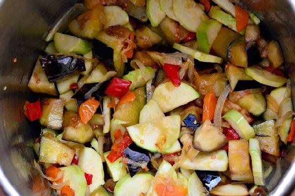 Салат овощной на зиму