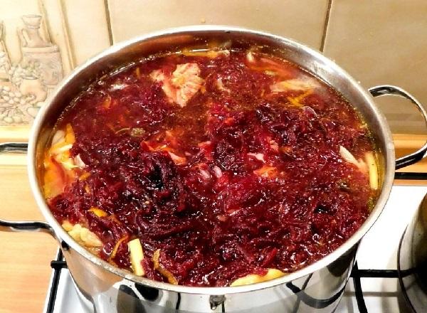 Рецепт приготовления свекольника горячего с мясом