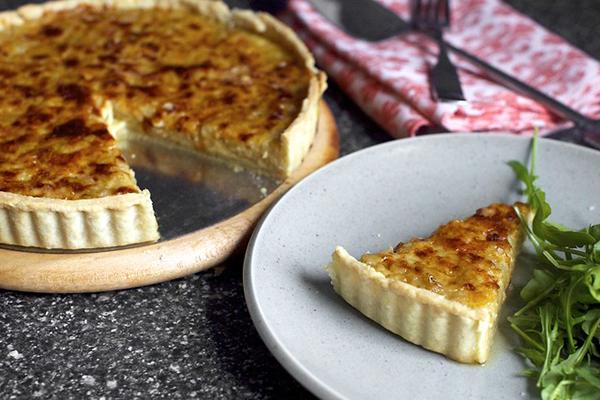 Луковый пирог рецепт классический заливной
