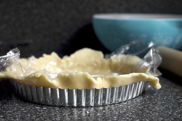 Луковый пирог с сыром рецепт
