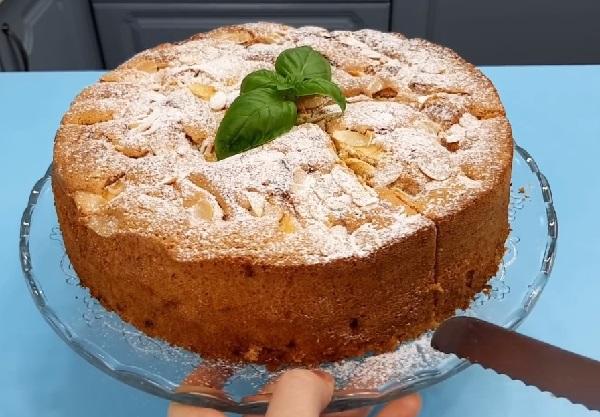 Яблочный пирог вкуснее шарлотки а готовить легче
